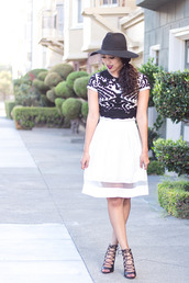 pancake stacker,blogger,white skirt,lace-up shoes,black and white,t-shirt,fedora