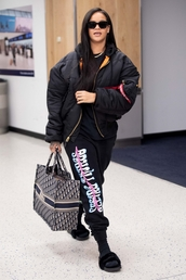 bag,bomber jacket,jacket,sweatpants,rihanna,casual