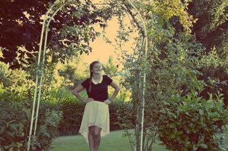 black t-shirt skirt longue jupe jupe noire col claudine rose pink