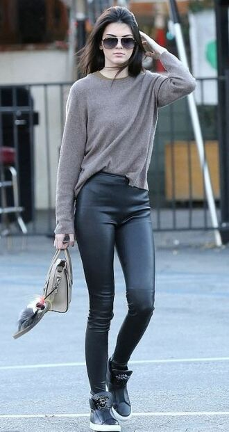 leggings kendall jenner fall outfits sweater shirt