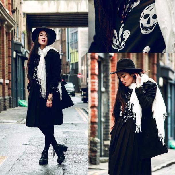 alessandra kamaile blogger scarf black skirt