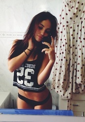 shirt,tumblr,instagram,fvkin,t-shirt,crop tops,black crop top,black t-shirt,jersey,tank top,crop  top,top,black and white,b&w,swag,black,white,cute,sexy,rebel,brunette,iphone 5s,32,fitness,basketball