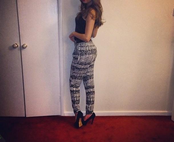 c7a79614c6e1c leggings pants black white harem pants outfit style look fashion ootd ootn  missguided miss selfridge zara