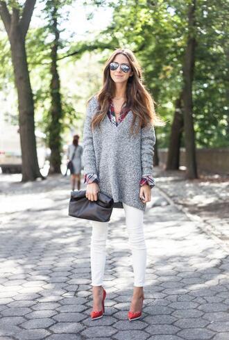 something navy blogger jeans sunglasses jewels bag grey oversized sweater