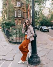 pants,wide-leg pants,high waisted pants,high waisted jeans,ankle boots,white boots,blazer,sunglasses,turtleneck