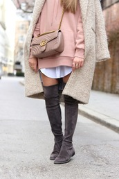 shoes,tumblr,pink dress,boots,grey boots,flat boots,over the knee boots,over the knee,thigh high boots,thigh highs,thigh-high boots,bag,nude bag,gucci,gucci bag,chain bag,sweatshirt dress,sweatshirt,coat,beige coat,fuzzy coat