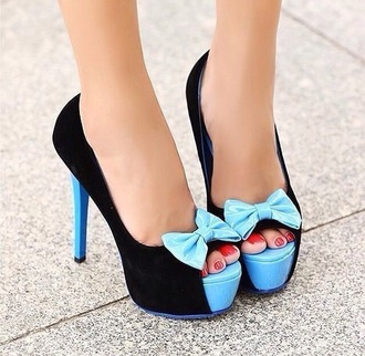 shoes black and light bue pumps