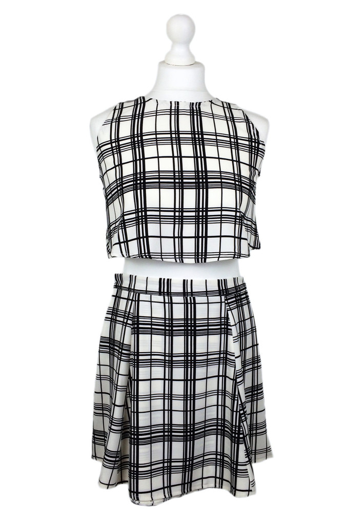 White check print top & skirt two piece co