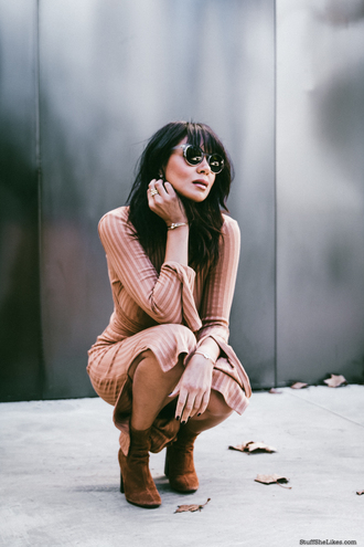 stuffshelikes blogger dress sunglasses shoes jewels midi dress nude dress fall dress ankle boots beige knit dress