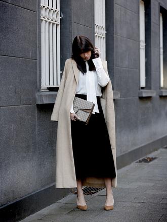 wie-hund-und-katze blogger coat blouse skirt bag shoes jewels gucci bag beige coat winter outfits high heel pumps pumps midi skirt