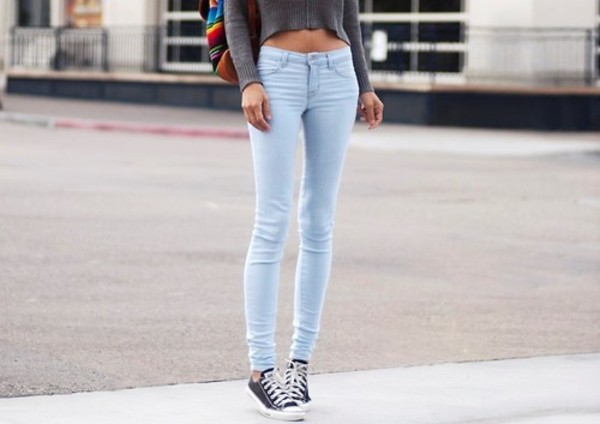 jeans skinny jeans light blue skinny super skinny bag high top sneakers converse black blouse and everything else denim blue grey crop top long sleeves bleu bleu clair slim moulant
