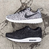 shoes,nike,free,beautiful,cool,sneakers,sneaks,so,rad,grunge,black,white,grey,perfect,nike sneakers,nike roshe run,nike running shoes,nike air,black air max nike,web,tick,air max,black and white,nike air force,run,nike shoes,nike free run,cute shoes,shoe game,dope,chill,casual,geometric,tumblr,blogger,fashionista,on point clothing,outfit idea,fashion inspo,black shoes,tennis shoes,black tennis shoes,roshe runs,design,grey sneakers,black sneakers