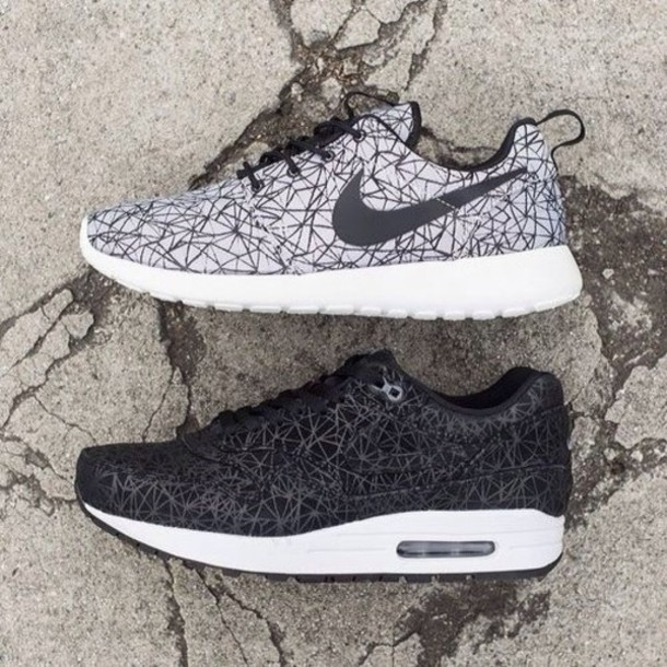 shoes nike free beautiful cool sneakers sneaks so rad grunge black white grey grey perfect nike sneakers
