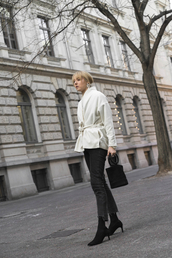 the limits of control,blogger,shirt,jeans,shoes,pumps,winter outfits