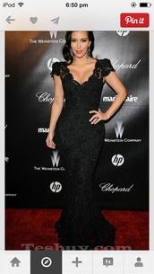 dress,mermaid prom dress,black,lace,formal,long,sparkle,kim kardashian,kim kardashian dress,black dress,lace dress