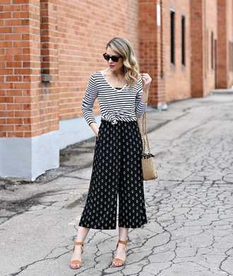 pants culottes black pants printed pants top sunglasses striped top stripes sandals spring outfits