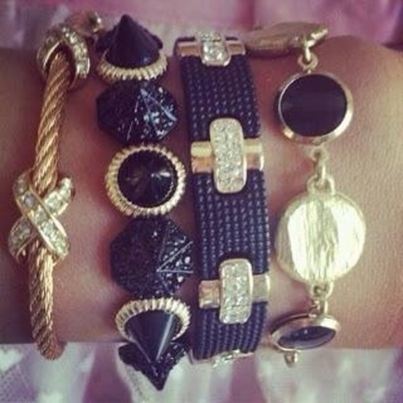 jewels bracelet black and gold stones jewerly
