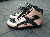 shoes,leopard print,zone,sneakers,trainers,pink,grunge,creepers,boots,lace up,gold,indie,retro,vintage
