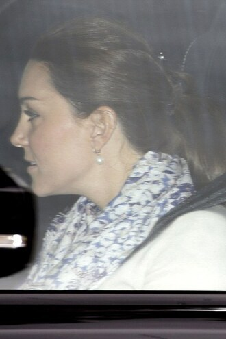 coat kate middleton scarf