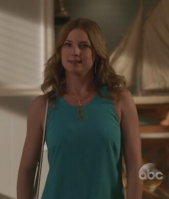 top turquoise necklace revenge sleeveless emily vancamp emily thorne amanda clark