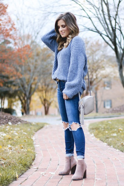thedaintydarling blogger sweater jeans shoes jewels bag belt fall outfits blue sweater shoulder bag ankle boots