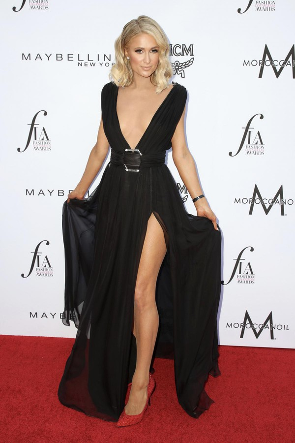 dress black dress maxi dress paris hilton slit dress pumps red carpet dress plunge dress shoes