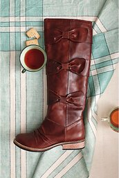 shoes,brown boots,bows,anthropologie,boots,riding boots