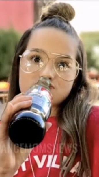 sunglasses annie leblanc annie leblanc is wearing it forever 21 glasses
