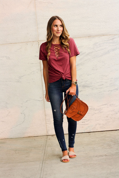 t-shirt lace-up top denim skinny jeans crossbody bag slide shoes