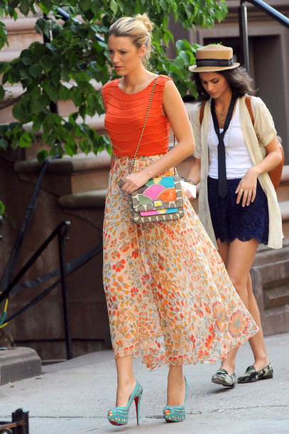 dress,maxi,floral,orange,orange skirt,gorgeous,summer,summer dress,gossip girl,serena van der woodsen,blake lively,shoes,bag,hat