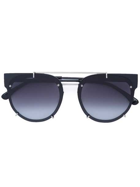 women plastic sunglasses black