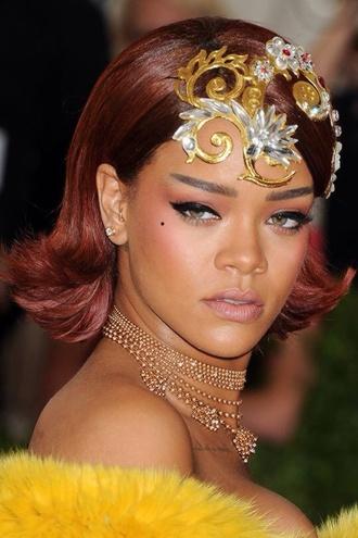 hair accessory rihanna make-up headband metgala2015