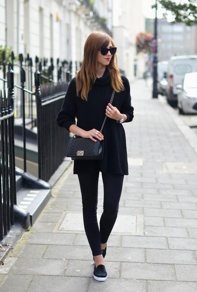 bag sunglasses jewels vogue haus blogger jeans