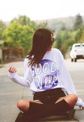 Good Vibes Crewneck - Fresh-tops.com