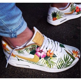 floral white gold nike running shoes nikeairmax