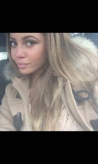 coat vanessa morgan eyebrows make-up tan coat blonde hair