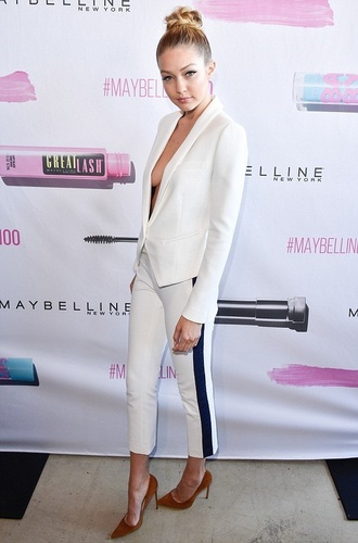 pants blazer white gigi hadid pumps suit jacket shoes