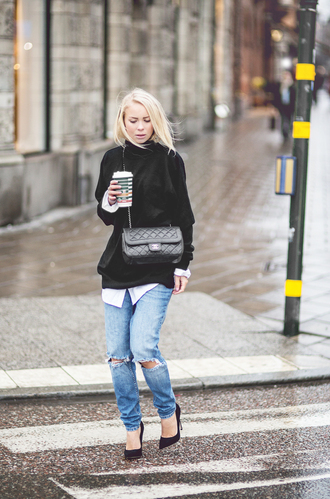 victoria tornegren blogger bag ripped jeans winter sweater winter outfits