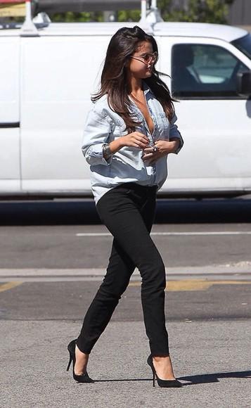 jeans jewels blouse selena gomrz
