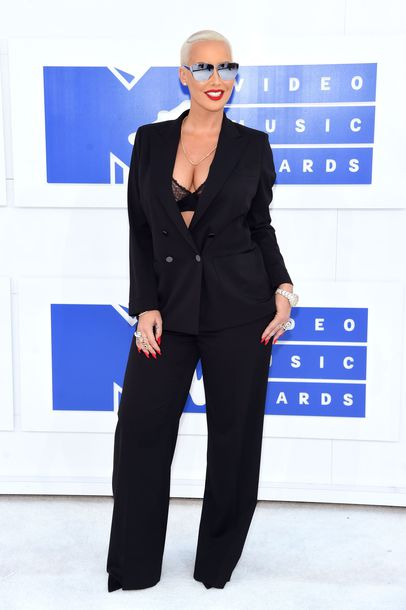 pants vma amber rose celebrity two piece pantsuits black pants wide-leg pants blazer black blazer underwear bra silver sunglasses sunglasses mirrored sunglasses matching set power suit all black everything bralette mtv suit red carpet jacket