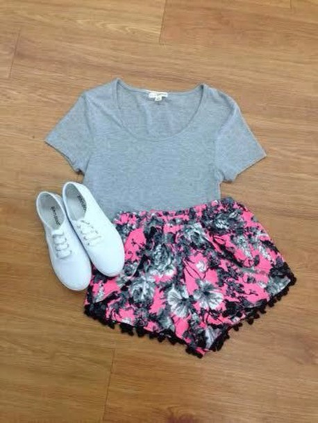 shorts pink flowers