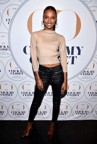 sweater cropped cropped sweater jasmine tookes pants spring outfits model off-duty