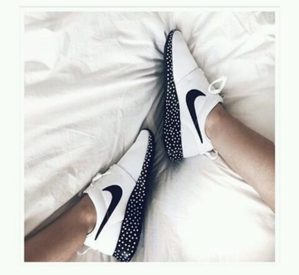shoes white black and white nike nike running shoes