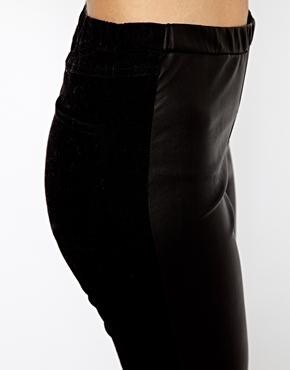 Vero Moda   Vero Moda Leather Look Leggings at ASOS
