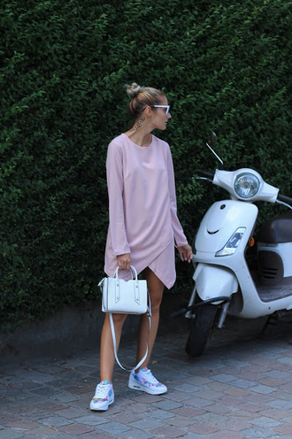 from brussels with love blogger shoes dress bag sneakers handbag pink dress