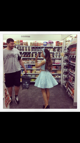 blue skirt ariana grande blue matching top blue handband cookies store sweet tooth kenley collins