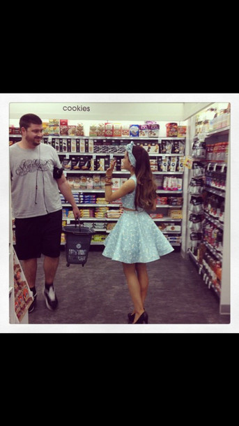 ariana grande blue skirt blue matching top blue handband cookies store sweet tooth kenley collins