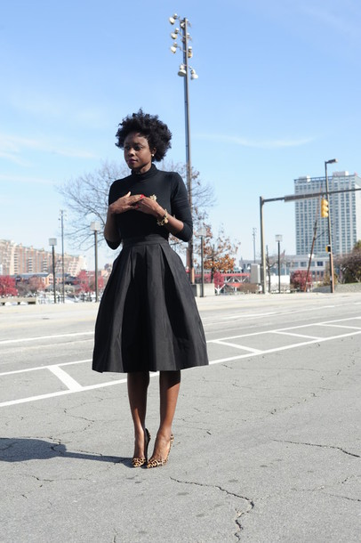 skinny hipster blogger midi skirt 50s style black girls killin it