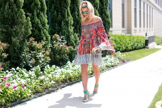 the courtney kerr blogger dress shoes sunglasses jewels long sleeves off the shoulder green shoes aviator sunglasses
