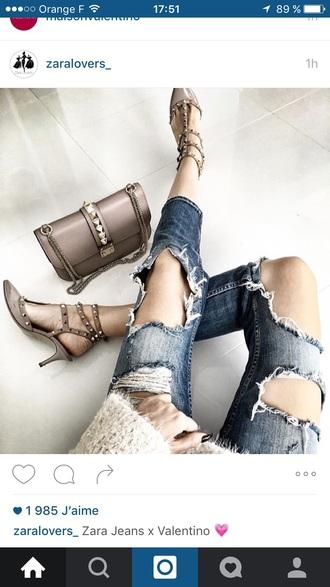 bag valentino style skinny jeans shoulder bag shoes outfit